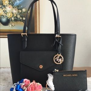 Micheal Kors Jet Set Item black tote set